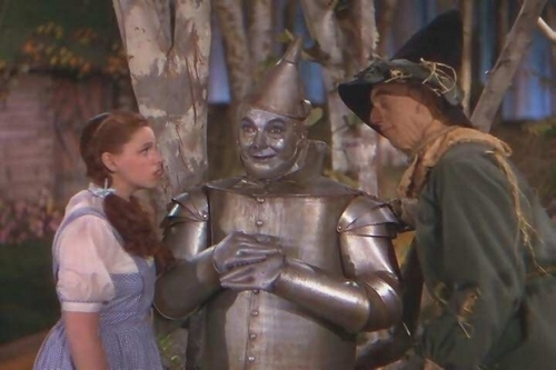 Dorothy ,Tin Man And Scarecrow
