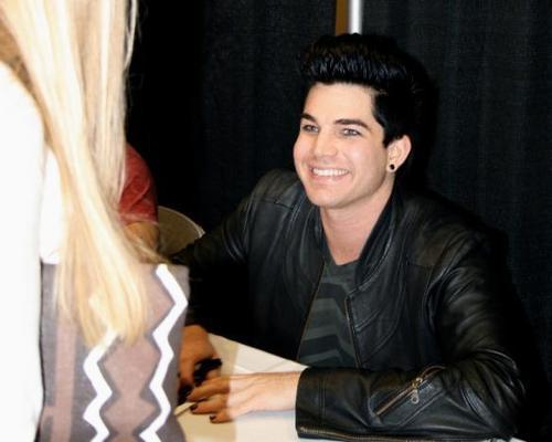 Adam meeting the ファン