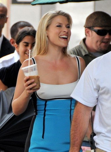 """Ali Larter on the set of """"Heroes"""""""