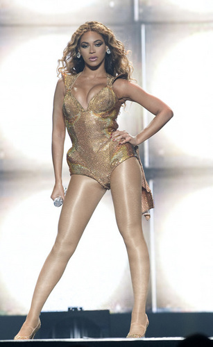 Beyonce performing at Madison Square Garden