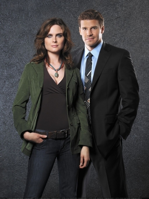Bones images Emily Deschanel and David Boreanaz wallpaper ...