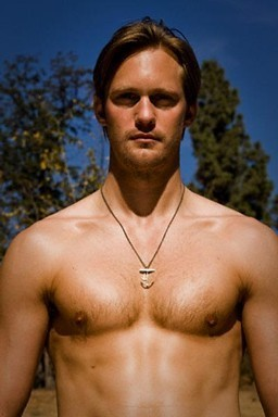 Eric Northman wolpeyper with a malaking piraso titled HOTNESS!!!