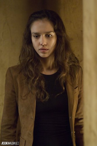 películas de terror fondo de pantalla with a well dressed person entitled Jessica Alba in The Eye