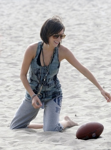 Jessica on the set of 90210