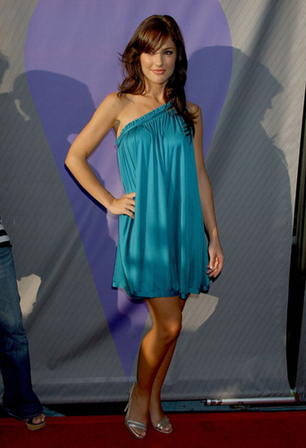 Minka Kelly achtergrond titled July 17,2007 - NBC TCA All-Star Party