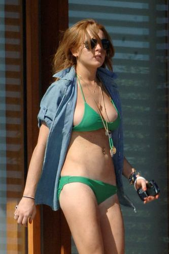 Lindsay Lohan wallpaper with a bikini titled Lindsay Lohan