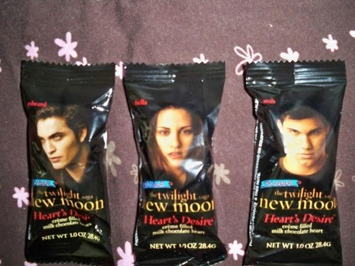 New Moon Heart's Desire Chocolate Candy