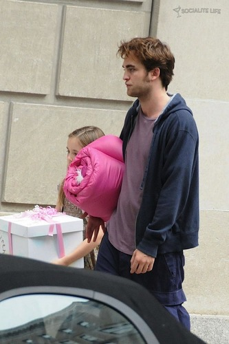 Rob On Remembe Me Set [July 17th]