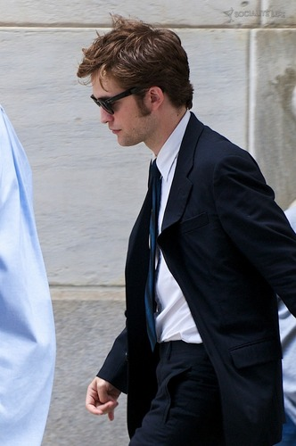 Rob On Remember Me Set [July 13th]