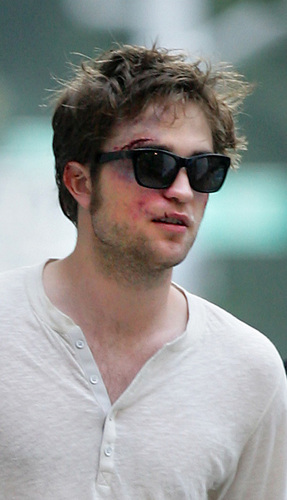 Rob on Remember Me set *
