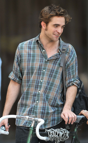 Rob on Rememeber Me set *