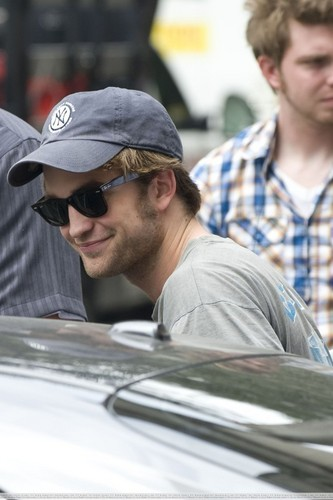 Robert on set of Remember Me - July 17