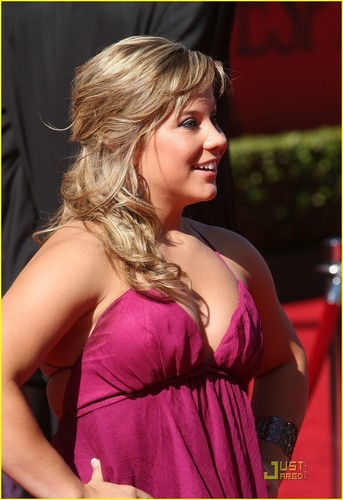Shawn Johnson wallpaper entitled Shawn