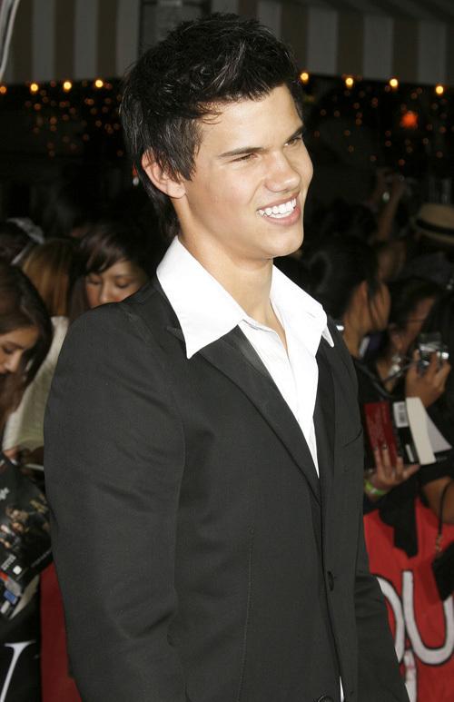 * Taylor Lautner * Jacob Black *