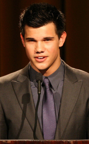 * Taylor Lautner * Jacob Black *