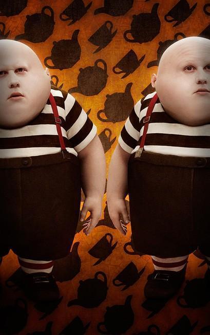 -Tim Burton's; Alice In Wonderland-