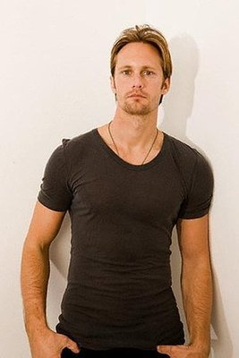 Alexander Skarsgård 壁纸 containing a jersey titled Casual shot
