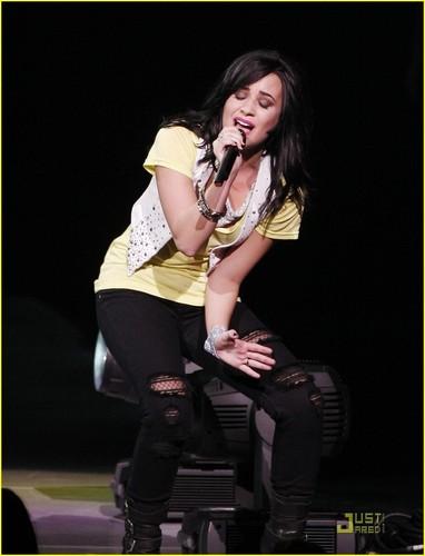 Demi Lovato is GMA Gorgeous