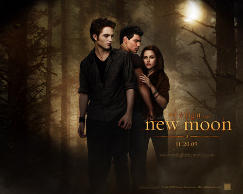 EXCLUSIVE New Moon picha