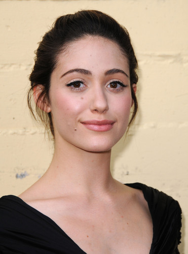Emmy Rossum wallpaper possibly containing a portrait called Emmy