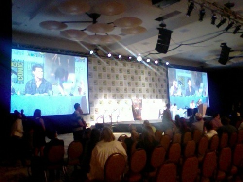 I'd like to be there =) The 'New Moon' threesome at the SDCC press conference