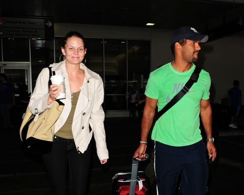 Jennifer Morrison and Amaury Nolasco – LAX Airport – July 12,2009