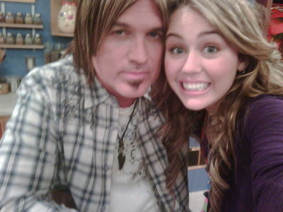MileyTwitter Pic