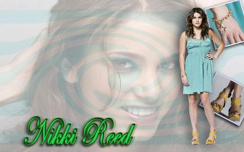 Nikki Reed kertas dinding