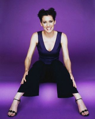 Criminal Minds Girls 壁紙 possibly with tights and a legging titled Paget Brewster- TV Guide Photoshoot