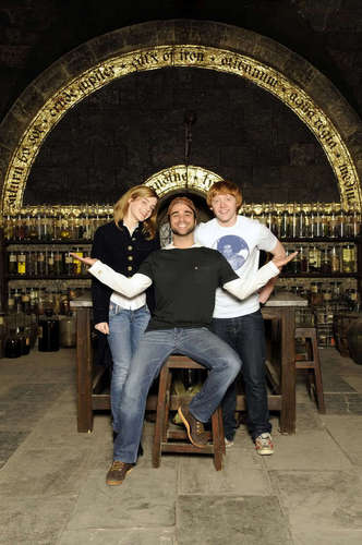 R/E - rupert-grint-and-emma-watson Photo