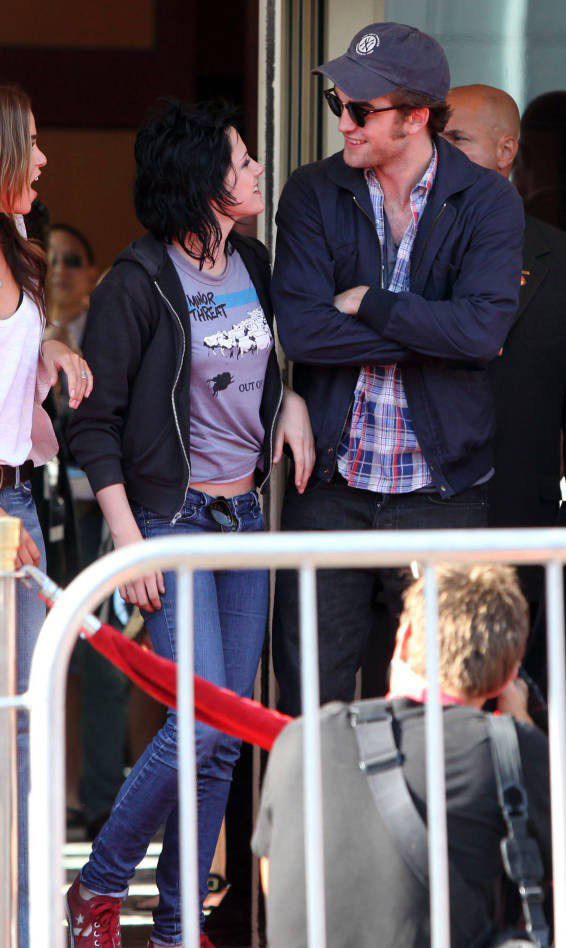 Rob and kristen ( I 愛 them) =) HQ