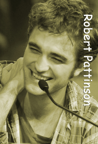 Robert Pattinson at Comic Con =)
