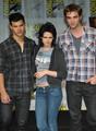 Robsten & Lautner at Comic Con 09 - twilight-series photo
