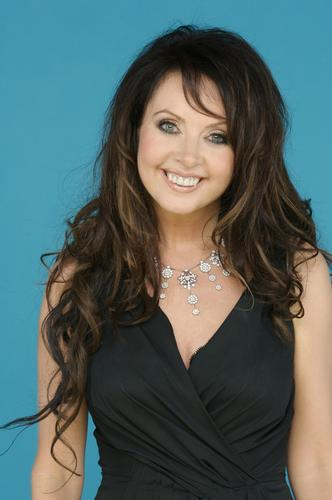 Sarah Brightman hình nền with a portrait titled Sarah Brightman
