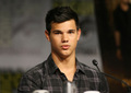 TAYLOR COMIC CON =) - twilight-series photo