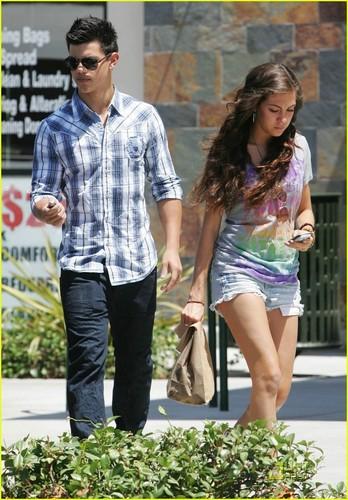 Taylor Lautner & Sara Hicks: Dating Again?