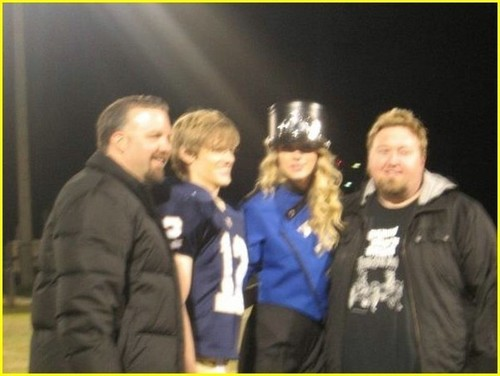 Taylor तत्पर, तेज, स्विफ्ट and Lucas Till