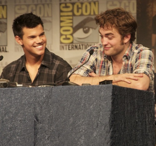 Taylor lautner and Robert Pattinson comic con 2009