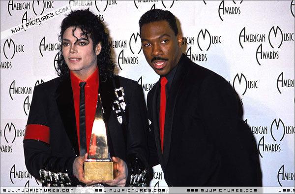The 16th American موسیقی Awards