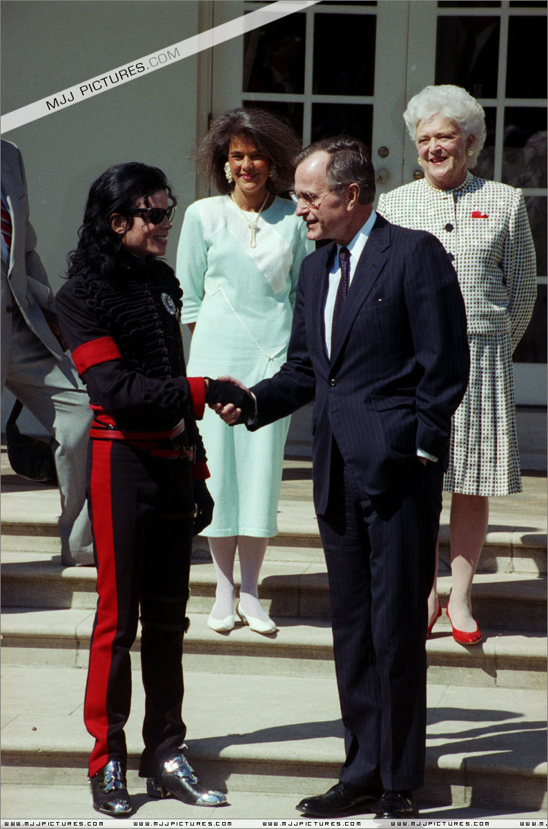 White House Meeting'90 Visit-in-the-White-House-michael-jackson-7242993-794-1200