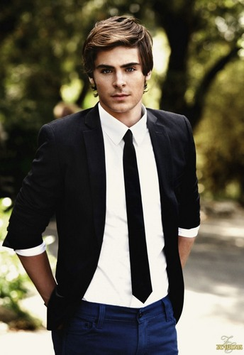 Zac Efron wallpaper containing a business suit, a suit, and a three piece suit called Zac Efron hot