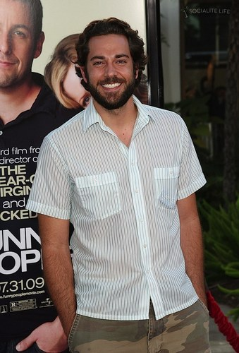 Zachary Levi @ the Premiere of 'Funny People' in LA (21 July 2009)