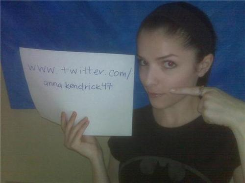 follow anna (jessica) =) at twitter