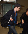 robert pattinson - Leaving NY yesterday for Comic-Con  - twilight-series photo