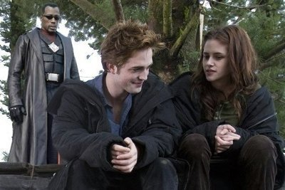 twilight-blade-twilight-series-7218972-400-267.jpg