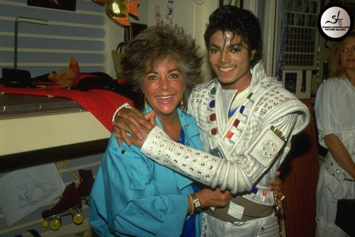 """Captain Eo"" Set"