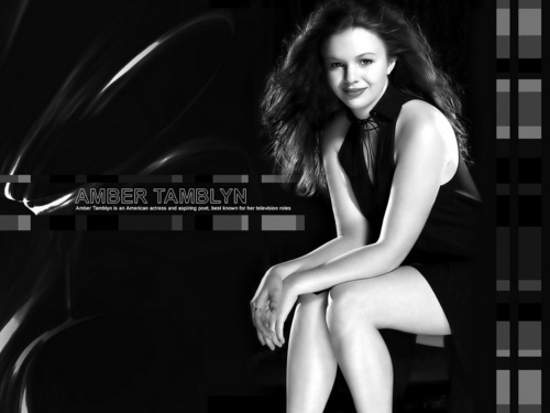 Amber Tamblyn kertas dinding containing a leotard and tights titled Amber Tamblyn