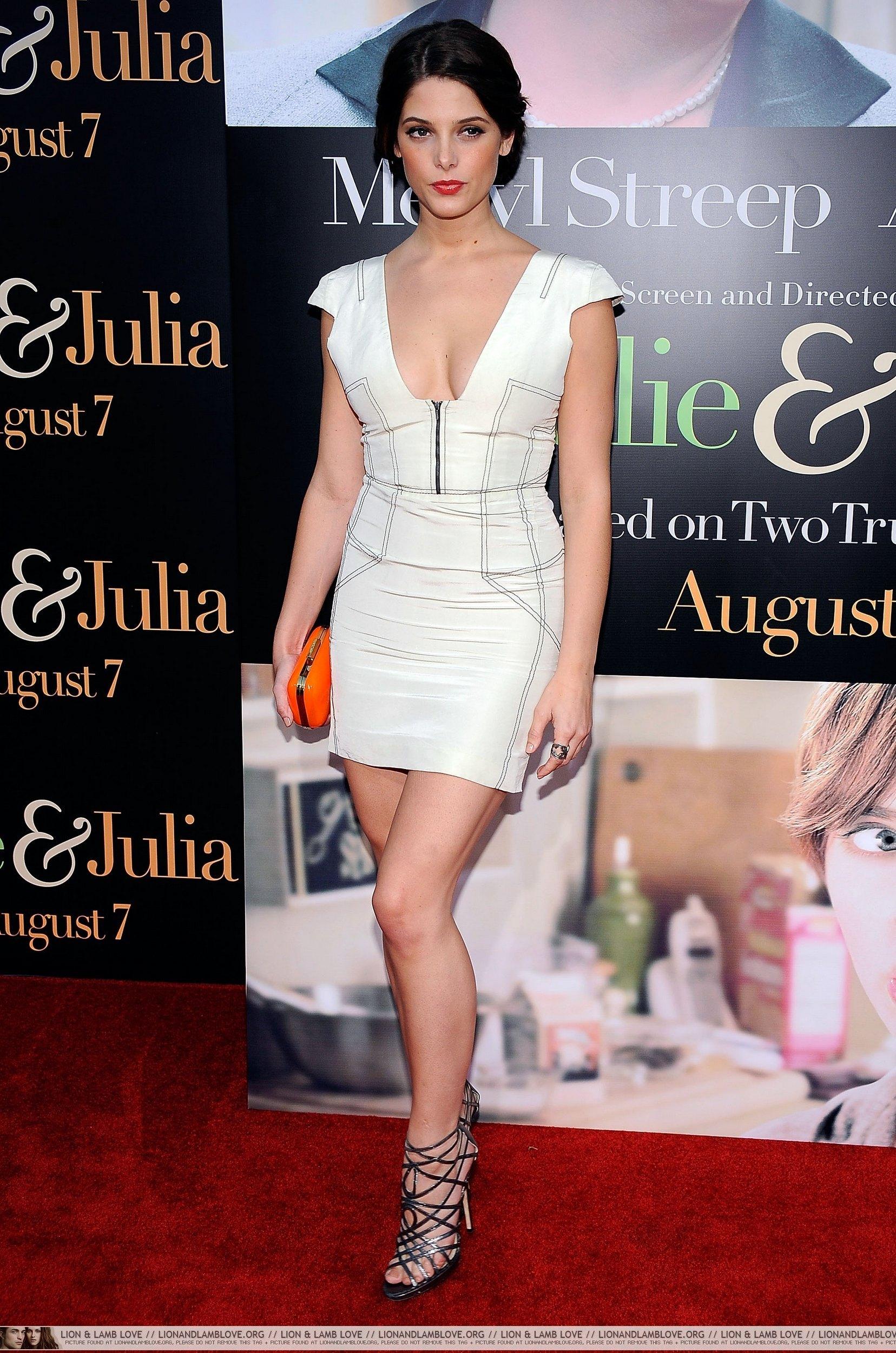 Ashley @ Julie & Julia movie premiere