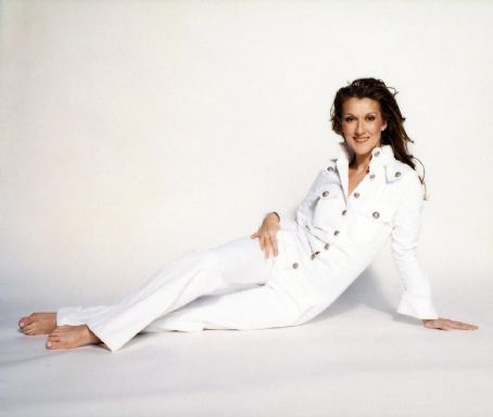 Celine Dion wallpaper probably with a well dressed person titled Celine <3
