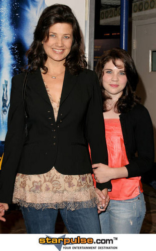 Daphne and Sarah at Into the Blue premiere 21/9/2005